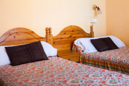CALL US AT + 34 933107466 FOR THE NIGHT OF <b> 9-11-12-17-18-24-28-30 APRIL </b> PRICE NIGHT <b> 60 € TWO BEDS </b>